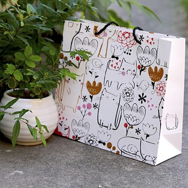 Cartoon White Large Horizontal Beautiful Cosmetics White Cardboard Paper Bag Customization